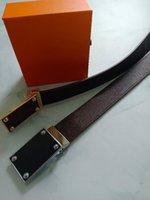 2021 Mode Gürtel Leder Designer für Männer und Frauen Hochwertige Gold Silber Glatte Schnalle Herrengürtel mit Box