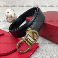 Temperamento Retro Cinturones Hipster Hombres y mujeres Cinturones de cuero con caja de hebilla suave Viste a cinturones de alto grado