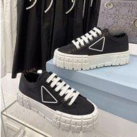النايلون منصة الأزياء النسائية عارضة الأحذية الثلاثي أسود أبيض أحمر سيدة شقة الترفيه مصممي قماش حذاء رياضة