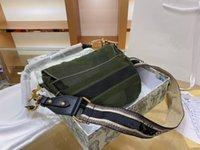 كلاسيكي السيدات الأزياء حقيبة فاخرة مصمم 100٪ حقيبة يد جلدية الرجعية الأخضر التمويه سرج أكياس شخصية nubuck الجلود غير النظامية حزمة الكتف