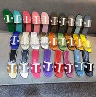 Avec la boîte! Classics Femme Chaussures Chaussures de haute qualité Sandales de Cuir Sandales plates de mode Dispositifs à glissière Slide caoutchouc Dames Beach Femmes Chaussons Chaussure10 08