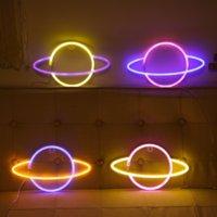 LED néon signe lumière SMD2835 Lampe d'intérieur Nuit Planète Espace Couleur mélangée pour l'éclairage de vacances Noël fête de mariage décorations de la table de mariage ESU moderne lampes murales environnementales