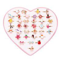 36 adet / paket Sevimli Çocuk Kalp Çiçek Hayvanlar Yüzükler Karışık Kore Tarzı Alaşım Çocuk Karikatür Set Kutu Kümesi ile Çocuk Günü Takı