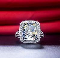 Luxury Ring Sterling Silver 8CT Cushion Engagement 925 NSCD Simulerad Big Diamond Rings PT950 Stämplad Årsdag Present med Box Ship från USA