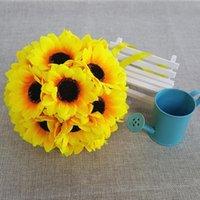 Girasoles artificiales Besos besos Ball Bouquet Ceremonia de la fiesta de la boda Decoraciones de la pieza de la pieza PO Precios de las flores decorativas Guirnaldas