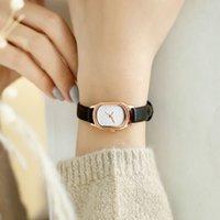 Moda de mujer Negro Relojes Pequeños Vintage Cuero Vintage Relojes de pulsera Oval Simple Dial Vestido Retro Hembra Rellatos de pulsera de cuarzo