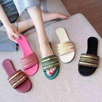 Zapatillas para mujer Diseñador Bordado Floral Sandalias Damas Marca Verano Planeos Planos Mujeres Slipper Color letras