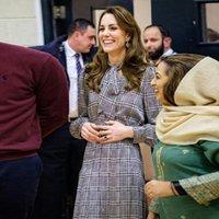 Vestidos informales Kate Middleton Más Tamaño Moda de alta calidad Moda elegante Lady Negro Vestido de impresión de cuadros blanco