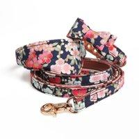 Collares de perro correas de la moda de la flor de la flor de las mascotas PU Cuero Bowknot Puppy Cat Bow Piet Pequeño Pantalón al aire libre PET