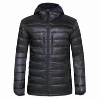 Marca Casual Canadá Down Men Downs Jacket Winter Coat Coat Men's Ultralight Pato Abrigos Masculino A prueba de viento Goose Parka 200