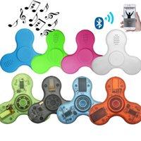 LED Bluetooth Music Fidget Toy Crystal Spinner Finger Handspinner手トライEDCの減圧玩具小売箱の玩具