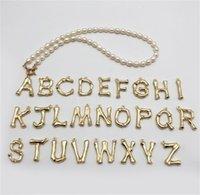 Bordo croce europeo e americano perla d'acqua dolce 26 lettera inglese in acciaio inox fibbia in acciaio inox collana pendente in oro gioielli perla 953 T2