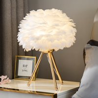 الذهب / أبيض حامل ريشة أدى الجدول مصابيح أضواء السرير الحديثة غرفة المعيشة فندق نوم الزفاف عيد الميلاد الديكور رومانسية ريشة مصباح E27