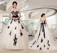 Gothic Beeetheart Long Plus Taille Vintage Country De Mariage Robes De Mariage Modest Blanc Et Black Dentelle Personnalisez les robes de mariée