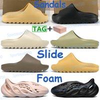 2021 homens mulheres sapatos sandálias sandálias de praia espuma corredor deserto areia terra marrom resina ósseo triplo branco homens sneakers com caixa