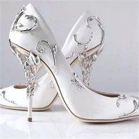 Filigranes ornamentais Folhas Espiraling Naturalmente Calcão Calcanhar Mulheres Brancas Sapatos De Casamento Chique Cetim Stiletto Saltos Eden Bombas Nupcial