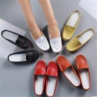Летние женские туфли корейской версии одиночного склона с среднего возраста и пожилых матерей полые половинные тапочки