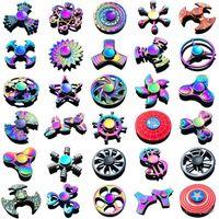 120 Arten auf Lager Zappeln FALL FILL FILL FILL TIFE RAINBOW Hand Spinner Tri-Zappel Metall Gyro Drachenflügel Augenfinger-Spielzeug Spinning Top Handspinner Witn Box