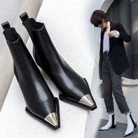 2020 Doğal Hakiki Deri Çizmeler Kadınlar Metal Sivri Burun Bayanlar Ayak Bileği Çizmeler Kadınlar Kare Topuklu Bahar Sonbahar Ayakkabı Botas Mujer Batı Çizmeler Ayakkabı Sh Y3XA #