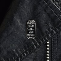 Broche de jóias Pin para womentaars de minhas inimigos broches Pins black lata dura esmalte lapel emblemas mochila jaquetas acessórios festejam aniversário de aniversário de aniversário