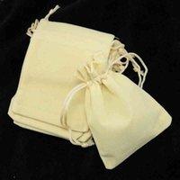 """100 قطعة / الوحدة 7x9 سنتيمتر (2.7 """"x3.5"""") البيج المخملية لطيف الرباط الحقيبة عيد الميلاد سحر حلي التعبئة والتغليف ق حقيبة الهدايا الصغيرة"""