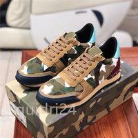 Top Quality Camuflagem Sneaker Womens Mens Rebite Sapatos Studded Flats Malha Cama Camo Camurça Treinadores Casuais Rockrunner Sapato Chaussures Dunks Plate-Forme LS0515