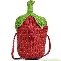 2019 새로운 패션 딸기 밀짚 가방 토트 여성 여름 과일 모양 비치 핸드백 수제 빈티지 짠 등나무 어깨 가방 C0326