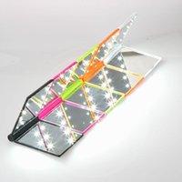 Kompakte Spiegel 1 stück mode frauen damen bilden spiegel kosmetische falten tragbare tasche mit 8 led leuchten make-up tool schönes geschenk