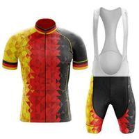 """2021 Equipo clásico retro """"Orgullo en triángulos"""" Ciclismo de verano Jersey Shorts Conjunto Anti UV, transpirable, Secado rápido, Anti Shrink"""