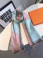 Kış Erkek Kadın Tasarımcı Eşarp Yüksek Kalite Sıcak Şal Atkılar Lattice Mektupları Ile Lady Atkılar 4 Renkler İsteğe Bağlı