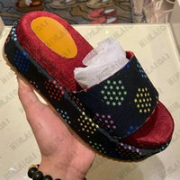 Plattform Slipper Angelina Sandalen Herren Steigerung dicker Sohlen Slide Womens Luxurys Designer Hausschuhe Sommer Strand Outdoor Flachhaus Flip Flops Spike Sandale