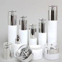 Botellas de almacenamiento Frascos de China Fabricación de 4 oz Botellas de botellas de vidrio blanco y bombillas de perfume, 120 ml de tóner cosmético redondo / contenedor de crema