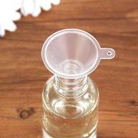 Mini plástico Pequeño embudos PERFUME Líquido Aceite Esencial Relleno Transparente Funnel Barra de cocina Herramienta de comedor HWE6029