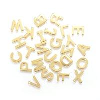 100 unids / lote Pequeño 304 Alfabeto de acero inoxidable Encantos Colgantes Letters Inglés Color de oro Para Pulsera Collar Joyería