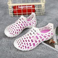 2021 Summer Men Donne Pantofole Daily Semplice Coppia Red Blu Grigio Grigio Whtie Pink Green 220 Sandali da spiaggia Dimensione 36-45