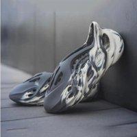 2021 yayınlandı yaz mxt ay gri erkek lüks terlik kanye moda köpük Runner kadın erkek slaytlar terlik sandalet