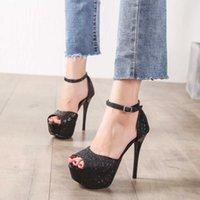 اللباس أحذية الأزياء 2021 إمرأة حزب أسود الترتر زقزقة اصبع القدم الحمراء أسفل الكعب العالي 13 سنتيمتر منصة strappy امرأة مضخات