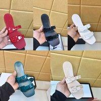 2021 Designer Frauen Slipper Luxus Echtes Leder Gelee Sandalen Sommer Outdoor Lady Marke Hausschuhe Mode Kunststoff Kette Hohe Qualität Flache Strand Freizeitschuhe
