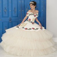 Mexican Two Piece White Quinceanera Dresses 2021 Princess Light Champagne Sweet 16 Dress Off Shoulder Ball Gown Prom Party Wear Vestidos De Quinceañera