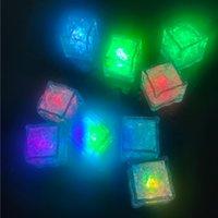 멀티 컬러 LED 플래시 조명 물 아이스 큐브 빛 참신 안전 크리스탈 웨딩 바 파티 미국 재고
