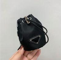 لطيف جدا فتاة مصغرة محفظة فضية الأجهزة سلسلة الحقيبة المرأة عملة المحافظ أفضل مصمم الأزياء الملحقات الأسود حقيبة