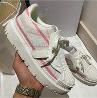 Deep Blue ID Sneaker White Calfskin Leder Frauen Casual Shoe Designer Luxurys Italien Marke Damen Trainer Runner Sneakers Gummisohle