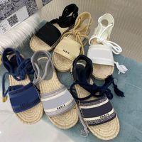 2021 сандалии высочайшего качества роскоши дизайнеры роскоши дизайнеров обуви бренд летняя обувь дизайнер женские женщины скольжения ноги сандалии сексуальные слингические насосы с коробкой