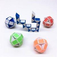 ¡Caliente! Mini Magic Cube Intelligence Toys Snake Forma Juguete Juego Cubos 3D Puzzle Twist Puzzles Regalo Inteligencias aleatorias Supertoop Regalos