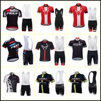 Fieltro Team Cycling Mangas cortas Jersey (babero) Shorts Sets Sets Ropa Ropa de bicicleta Verano Ciclismo Ropa Hombre Maillot Sportwear