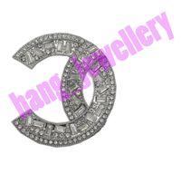 Открыт как C Riespare Pearl Brouches Письмо дизайн Брошь Женщины Высокое Качество Классические Серебряные Штырящие Платья Одежда Шкаф