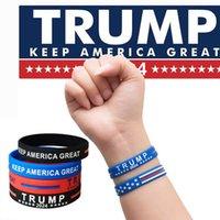 Trump 2024 Bracelet en silicone Fête Les faveurs Gardez l'Amérique Grand avec une faveur de la fête en silicone en caoutchouc personnalisé