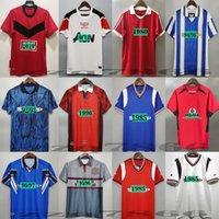 98 99 Retro Beckham Soccer Jersey Cantona 83 86 88 90 92 94 95 02 06 07 0 08 10 11 Rooney Giggs Keane Ronaldo Solskjaer Camicia da calcio classica