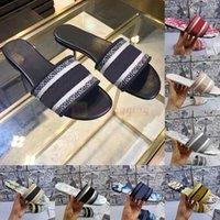 2021 New Paris Sandálias Femininas Chinelos Bordados Designers Sandália Floral Brocado Flip Flops Slides Flores da Praia Sandália de Luxo com Caixa