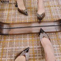 Очевидно, почему вы носите женские хрустальные тапочки на каблуках на каблуки женские туфли партии треки насосы высокие сандалии